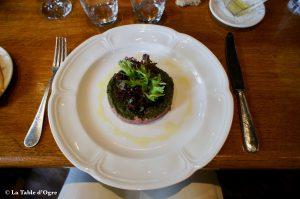Les Brigittines Tartare de bœuf (Galicia) coupé main, sauce soja et coriandre fraîche